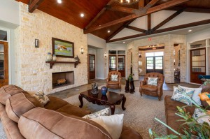 Apartments For Rent in Katy, TX - Clubhouse Interior Seating Area with Fireplace