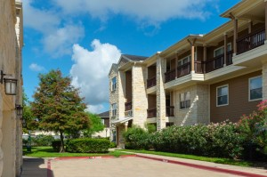 Apartments in Katy, TX - Exterior Apartment Building (3)